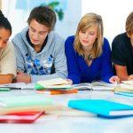 Oznam pre žiakov deviatych ročníkov a ich rodičov ohľadom dovzdávania prihlášok na stredné školy.